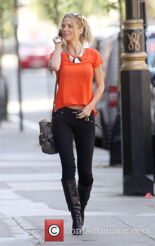 sarah harding out and about in central 4053396