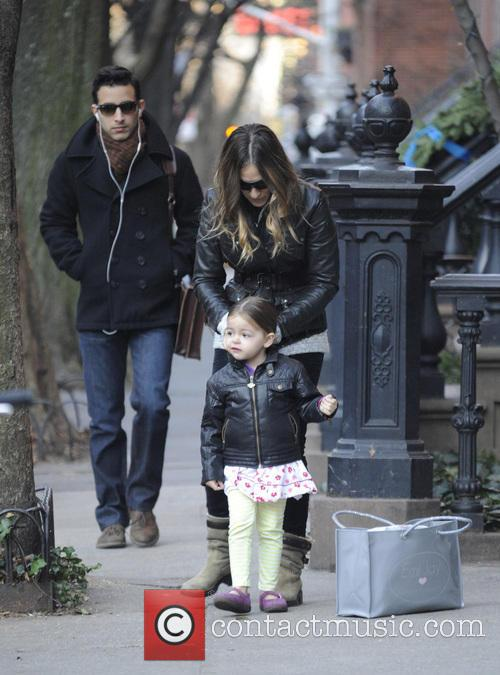 Sarah Jessica Parker Sarah Jessica Parker walking her...