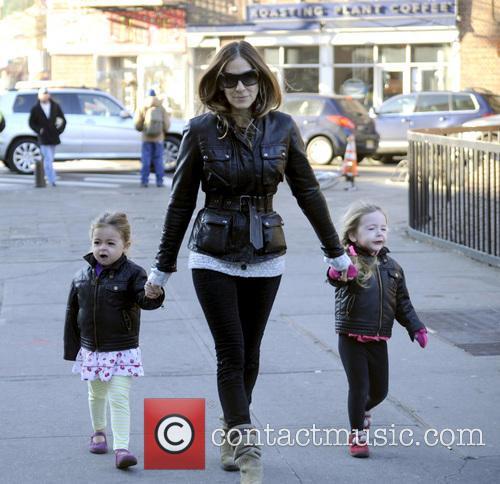 Sarah Jessica Parker walking her children to school