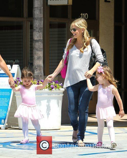 Pregnant Sarah Michelle Gellar and daughter Charlotte Prinze...