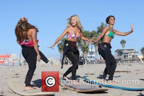 Vanessa White, Mollie King, Frankie Sandford, The Saturdays and Venice Beach 1