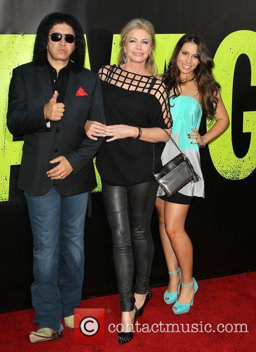 Gene Simmons, Shannon Tweed and Sophie Simmons 2