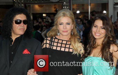 Gene Simmons, Shannon Tweed and Sophie Simmons 6
