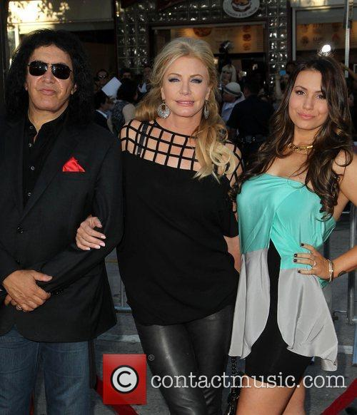Gene Simmons, Shannon Tweed and Sophie Simmons 1