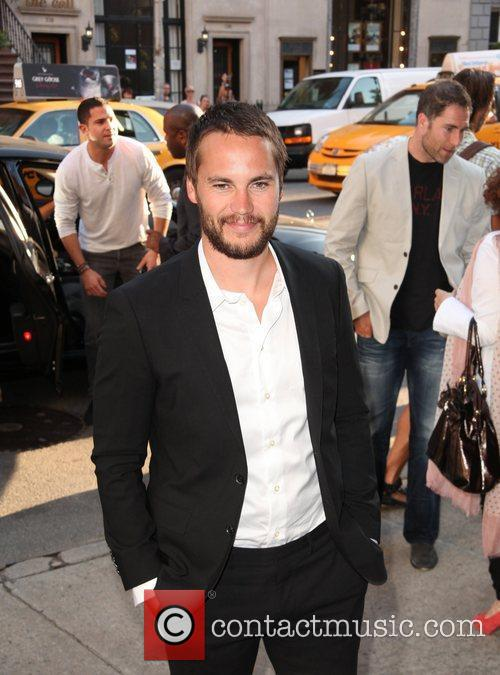 taylor kitsch new york premiere of savages 5870588