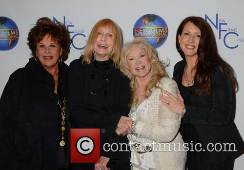 Lainie Kazan, Sally Kellerman, Connie Stevens and Joely Fisher 2