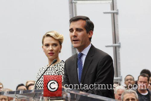Eric Garcetti Scarlett Johansson is honored with a...