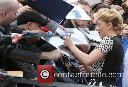 Scarlett Johansson and Star On The Hollywood Walk Of Fame 4