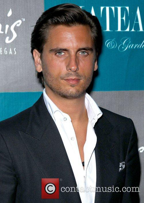 scott disick walks the red carpet at 4104762