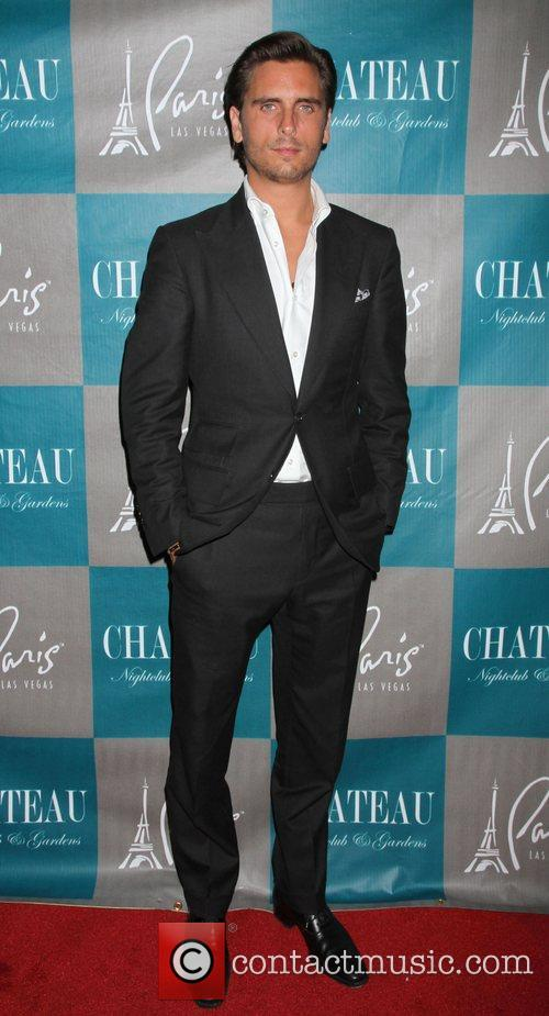scott disick walks the red carpet at 4105701