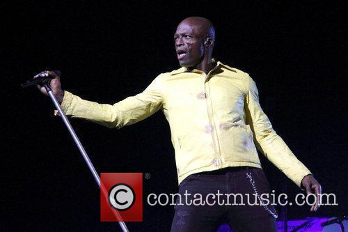 seal performs live at the adelaide entertainment 5823293