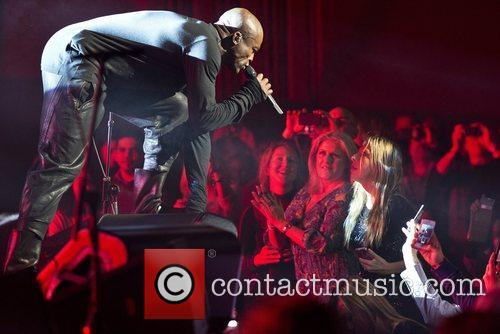 seal performing live at the apollo london 5944933
