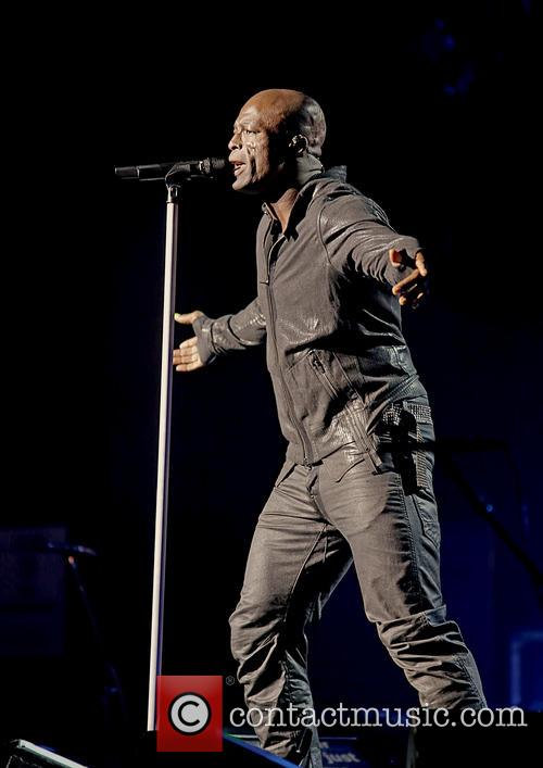 Seal, Manchester, Apollo