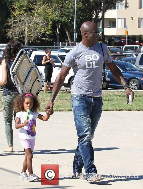 seal enjoys a day with his children 4148346