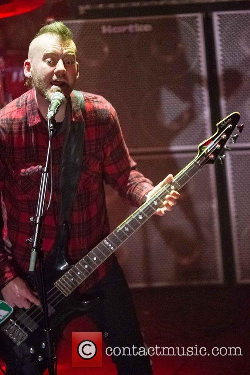 Seether 15