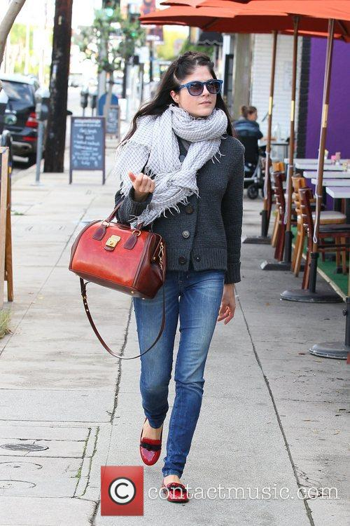 selma blair shopping on melrose and beverly 5961936