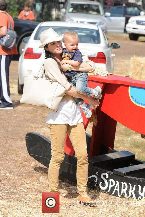 Selma Blair, Arthur Saint Bleick, Mr. Bones Pumpkin Patch, Los Angeles and California 3