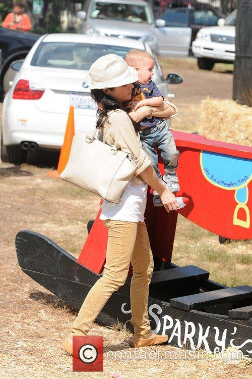 Selma Blair, Arthur Saint Bleick, Mr. Bones Pumpkin Patch, Los Angeles and California 6