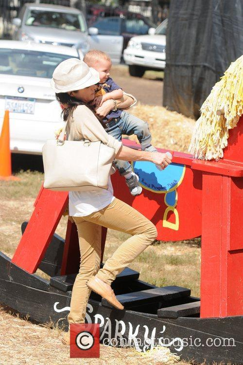 Selma Blair, Arthur Saint Bleick, Mr. Bones Pumpkin Patch, Los Angeles and California 4