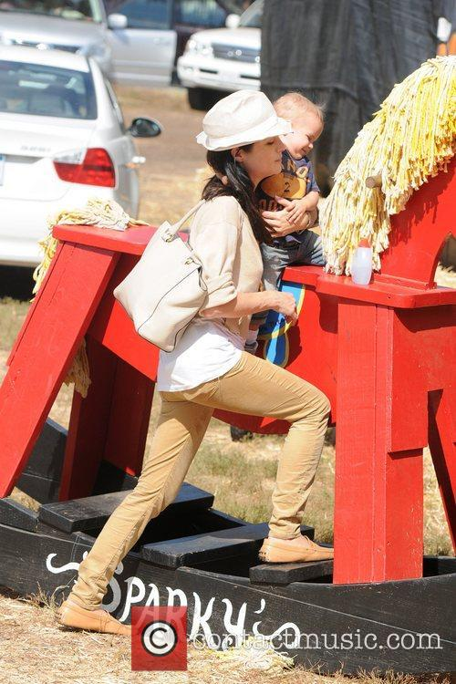Selma Blair, Arthur Saint Bleick, Mr. Bones Pumpkin Patch, Los Angeles and California 7