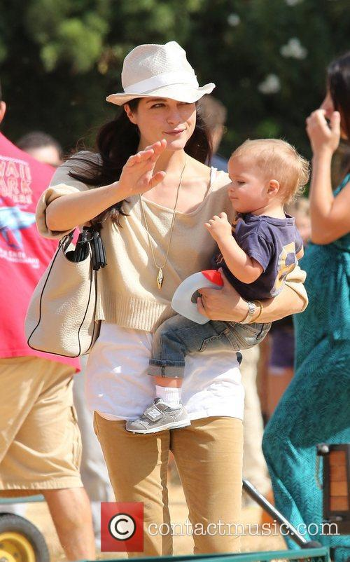 Selma Blair, Arthur Saint Bleick and Mr. Bones Pumpkin Patch 9