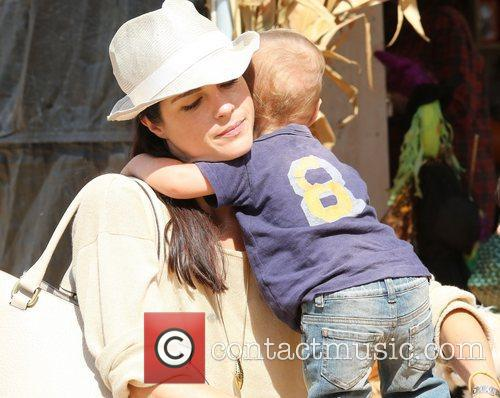 Selma Blair, Arthur Saint Bleick and Mr. Bones Pumpkin Patch 17