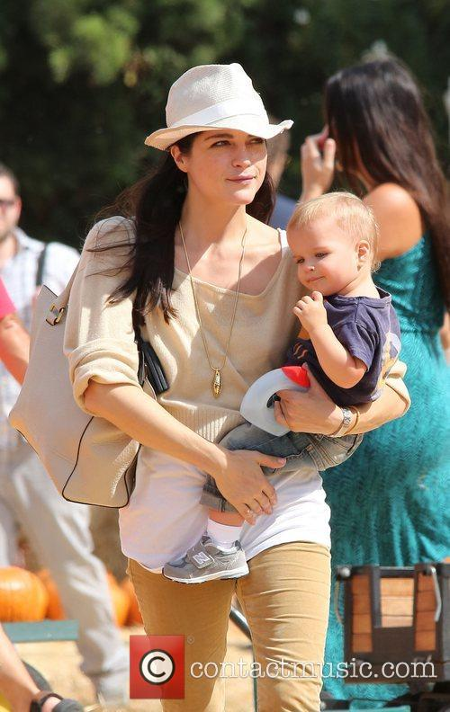 Selma Blair, Arthur Saint Bleick and Mr. Bones Pumpkin Patch 7