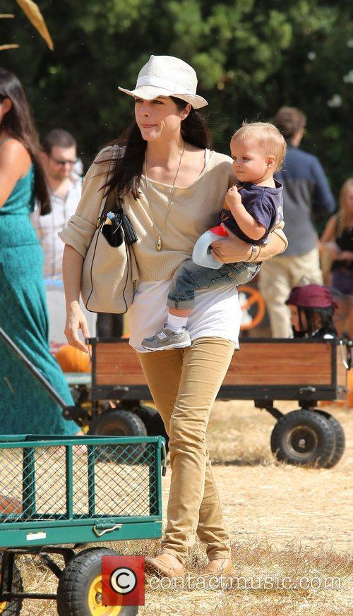 Selma Blair, Arthur Saint Bleick and Mr. Bones Pumpkin Patch 15