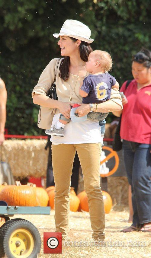 Selma Blair, Arthur Saint Bleick and Mr. Bones Pumpkin Patch 14