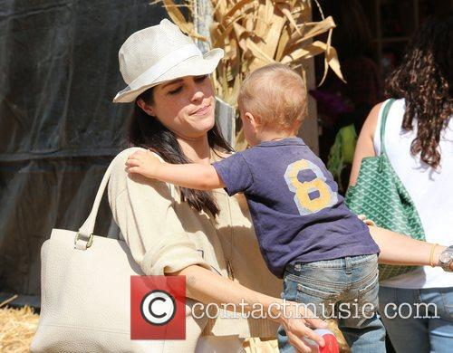Selma Blair, Arthur Saint Bleick and Mr. Bones Pumpkin Patch 1