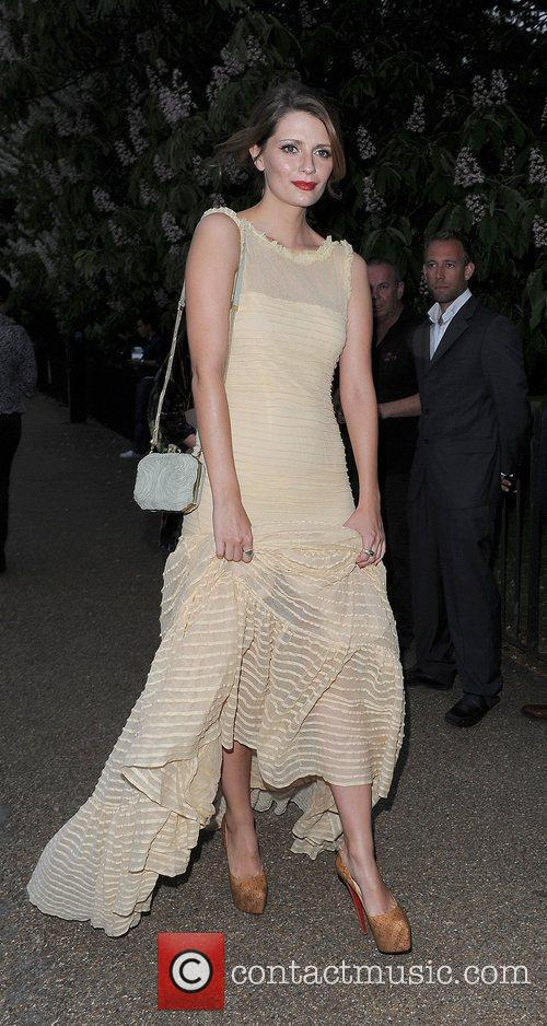 Mischa Barton and Serpentine Gallery 22