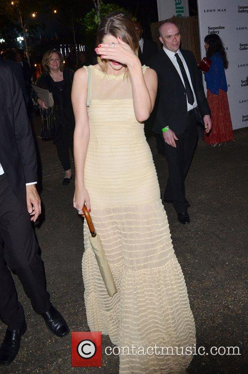 Mischa Barton and Serpentine Gallery 28