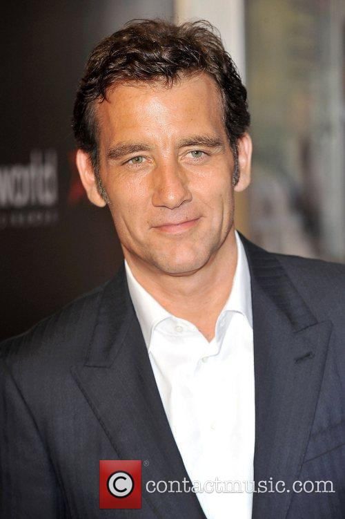 clive owen at the premiere of shadow 4031048