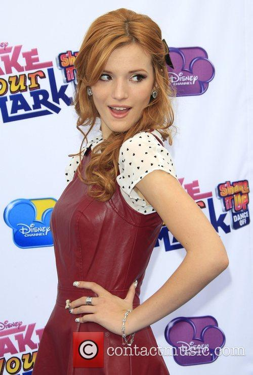 Bella Thorne Make Your Mark: Shake It Up...