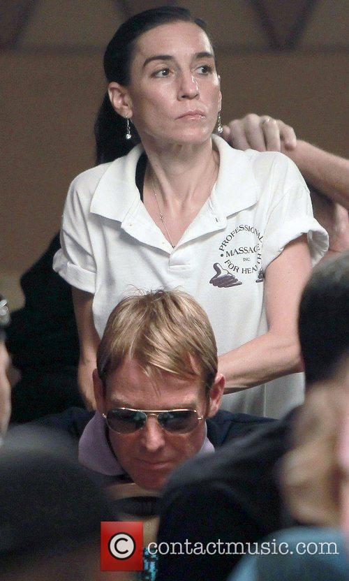 Massage during poker