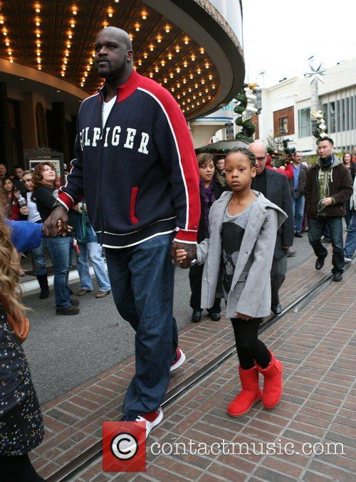 Shaquille O'neal, Santa and The Grove 2