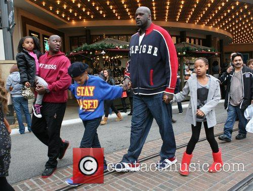 Shaquille O'neal, Santa and The Grove 5