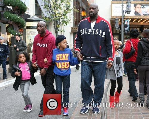 Shaquille O'neal, Santa and The Grove 6