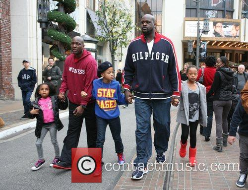 Shaquille O'neal, Santa and The Grove 7