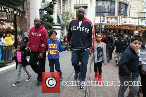 Shaquille O'neal, Santa and The Grove 1