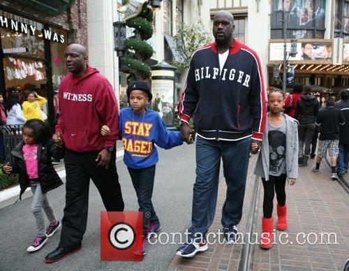 Shaquille O'neal, Santa and The Grove 3