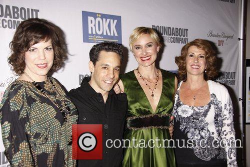 Cast and Jane Krakowski 1