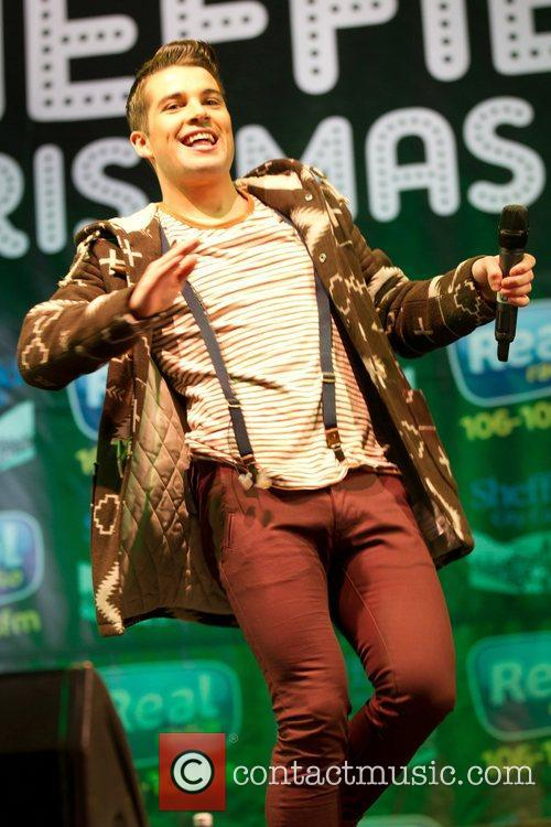 joe mcelderry performs at the sheffield christmas 4179834