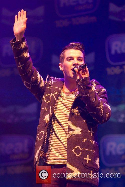 joe mcelderry performs at the sheffield christmas 4179846