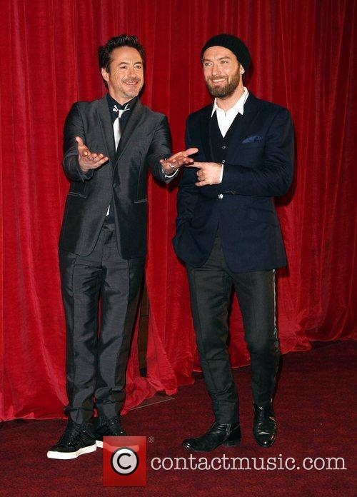 Robert Downey Jr and Jude Law 11