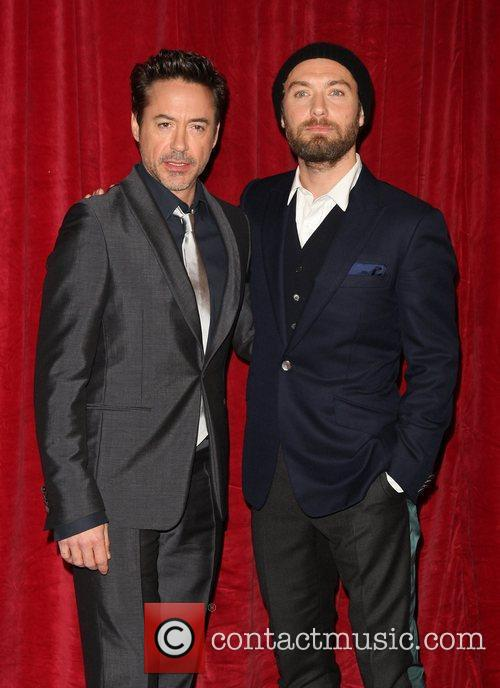 Robert Downey Jr and Jude Law 5