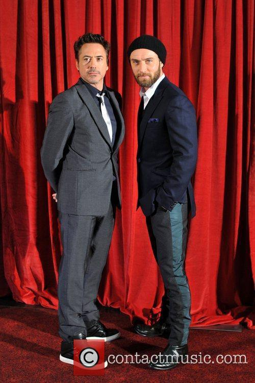 Robert Downey Jr, Jude Law and Empire Leicester Square 7