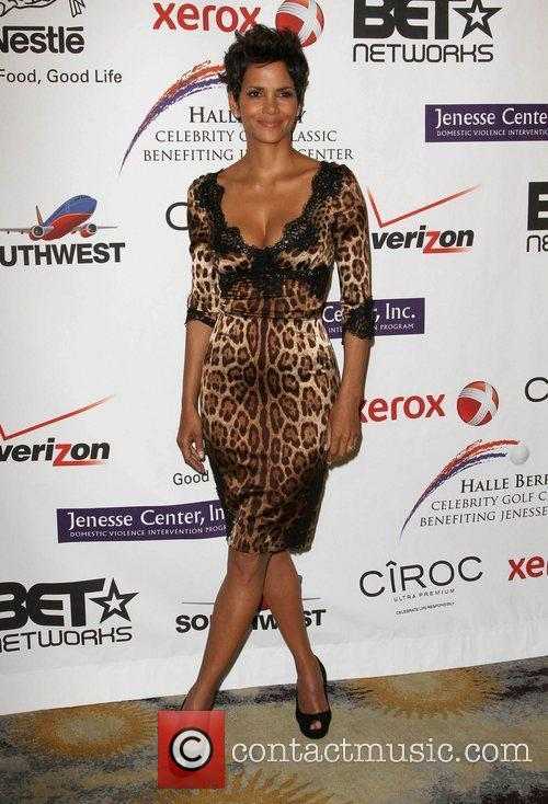 halle berry jenesse silver rose gala honoring 3828109