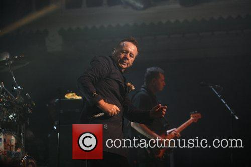 simple minds perform at the paradiso in 5797231