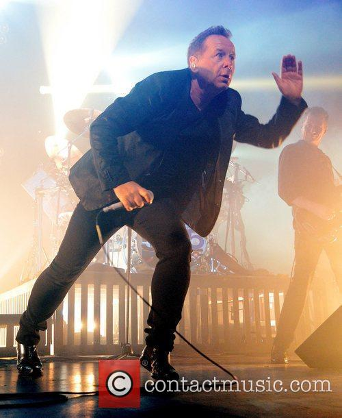 Jim Kerr Simple Minds performing at The Olympia...